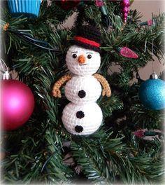 "A[mi]dorable Crochet: FREE PATTERN for 6"" snowman!"