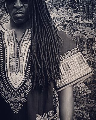 Yessss Lox.... Rock that #Dashiki by @kalonkreations and Thank you my friend…