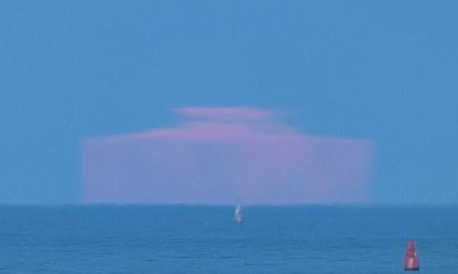 Το... ορθογώνιο φεγγάρι που προκάλεσε θεωρίες συνωμοσίας! (pics) Crazynews.gr