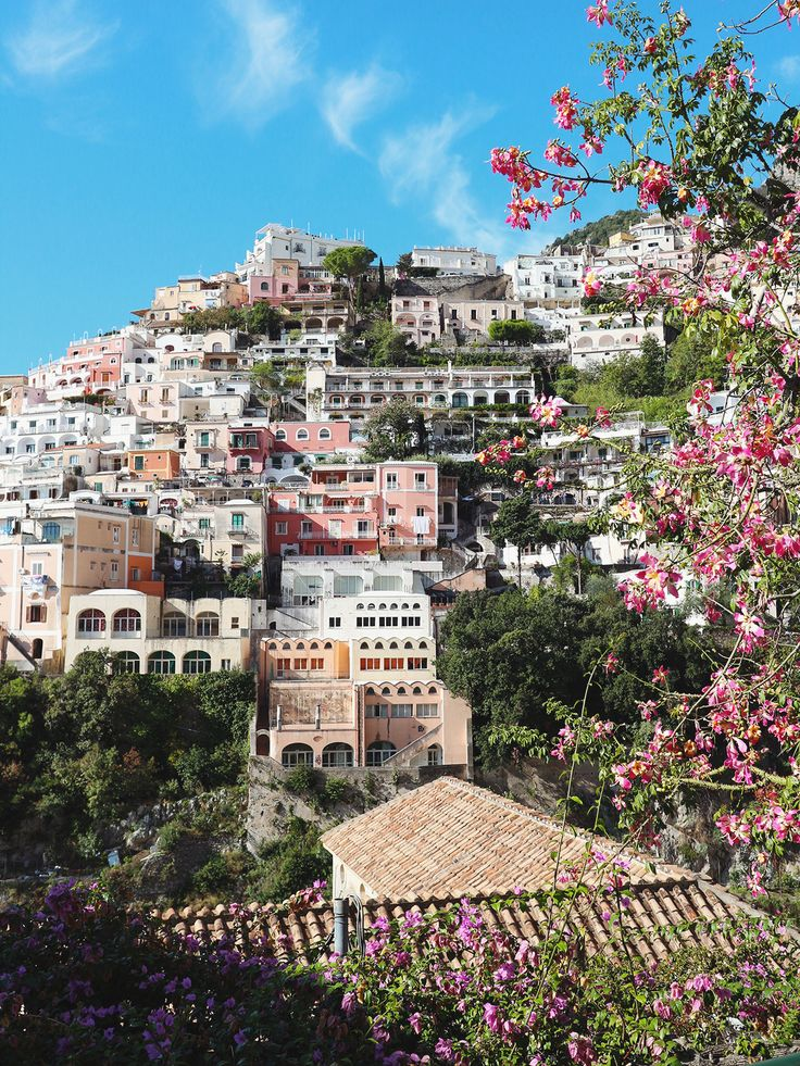 Reasons To Visit Picturesque Positano. http://www.katelavie.com/2017/03/reasons-visit-picturesque-positano.html