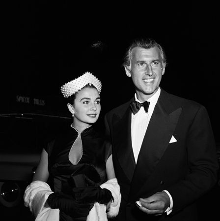 Jean Simmons and Stewart Granger.... Uploaded By www.1stand2ndtimearound.etsy.com