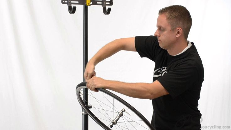 Rob installs a Roadtubeless Tire using the Schwalbe Ultremo ZX Tubeless Tire.