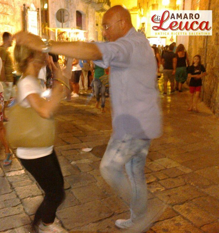 Saverio Scattaglia balla la pizzica per le strade di Salve #salve #leuca #gallipoli #salento #pizzica #taranta #nottedellataranta