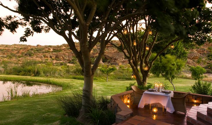 A variety of breathtaking dining locations are available at Bushmans Kloof