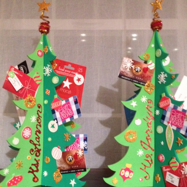 Teacher gift card trees--interesting way to make the tree. Different than a real tree or a metal, decorative holder. This is cute, functional, and festive.