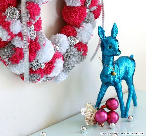 DIY Holiday Pompom Wreath