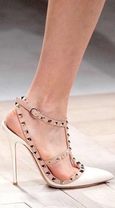 Valentino Shoes Outlet Usa | The Art of