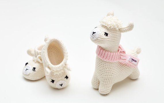 Nursery Time Unisex Knitted White Booties