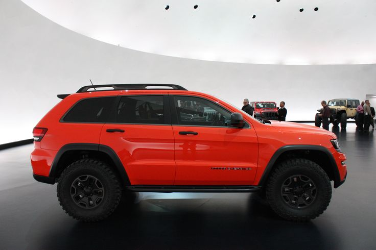 """I don't care much for """"cheap"""" Cherokee, but am loving the look of this Jeep Grand Cherokee Trailhawk Concept. Put a lift on it and it would be sweet!"""