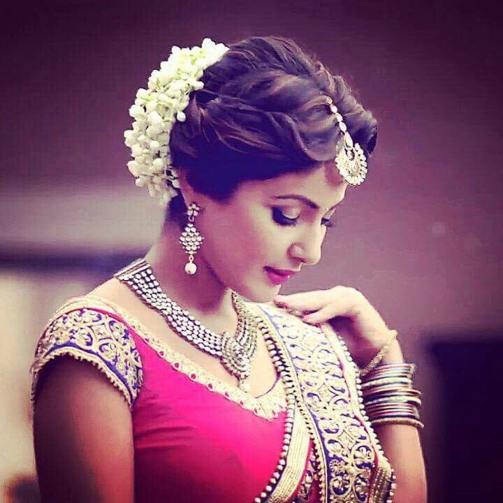 20 best Indian Bridal Hair updo with flowers images on Pinterest | Bridal hairstyles, Hair dos ...