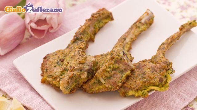 Ricetta Costolette d'agnello parmigiano e prezzemolo - Le Ricette di GialloZafferano.it