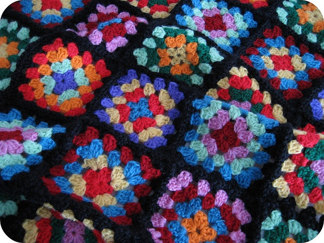 Reminds my of my Great-Grandma's house - I need to learn how to do this asap.: Colors Granny, Crafts 365, Happy Crochet, Granny Squares Blankets, Crochet Granny Squares, Crochet Afghans, Squares Repair, Repair Crafts, Just Be Happy