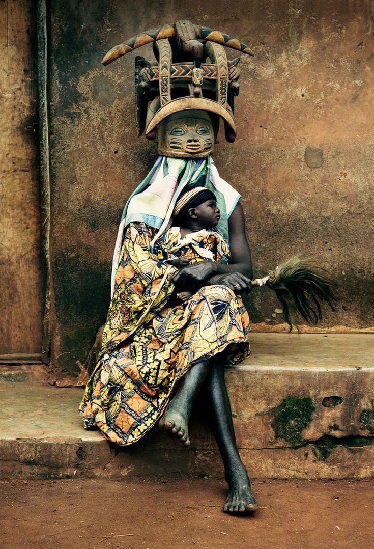 Masque Guèlèdè - Ketou, Bénin © David Paul Carr