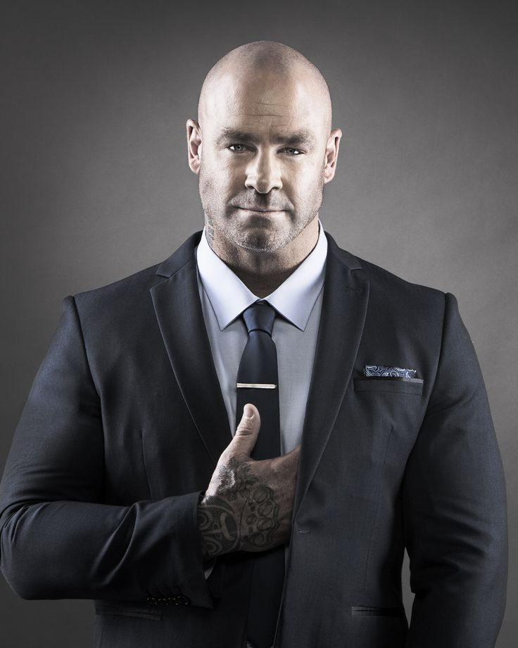 Sometimes you get a job to shoot someone totally unexpected like Lucas Browne the Heavyweight Champion of the world and he ends up being absolutely adorable. All of us chics, makeup, stylist and assistant fell in love with him.