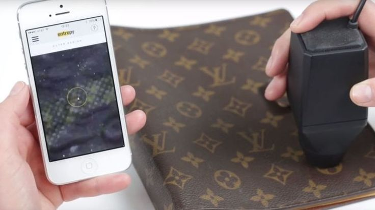 As luxury handbag brands are targeted by counterfeiters a New York startup has developed a gadget that can spot the fakes.The technology uses a handheld microscope and smartphone to detect fakes. Pic: Entrupy Luxury handbags are being counterfeited with increasing sophistication - but a startup in New York has developed a gadget that can detect them with better than 98% accuracy. Sophisticated knock-offs can be difficult to spot even for experts. It takes years of experience to see mistakes…