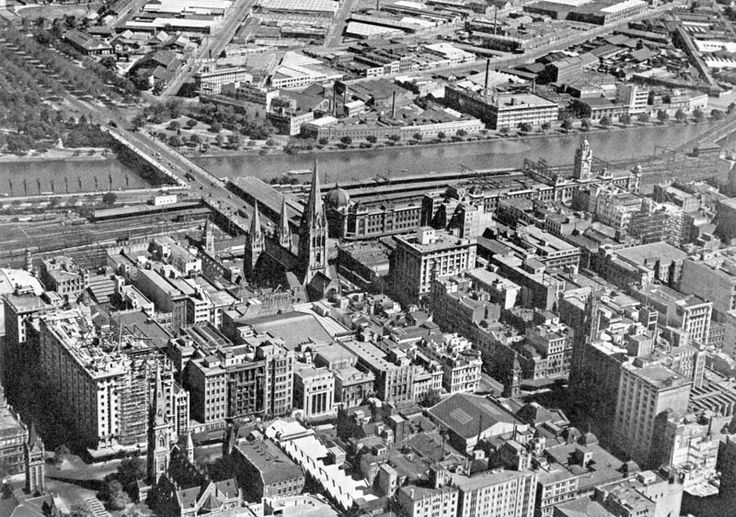 Melbourne CBD and south bank of the Yarra, 1950s (?)
