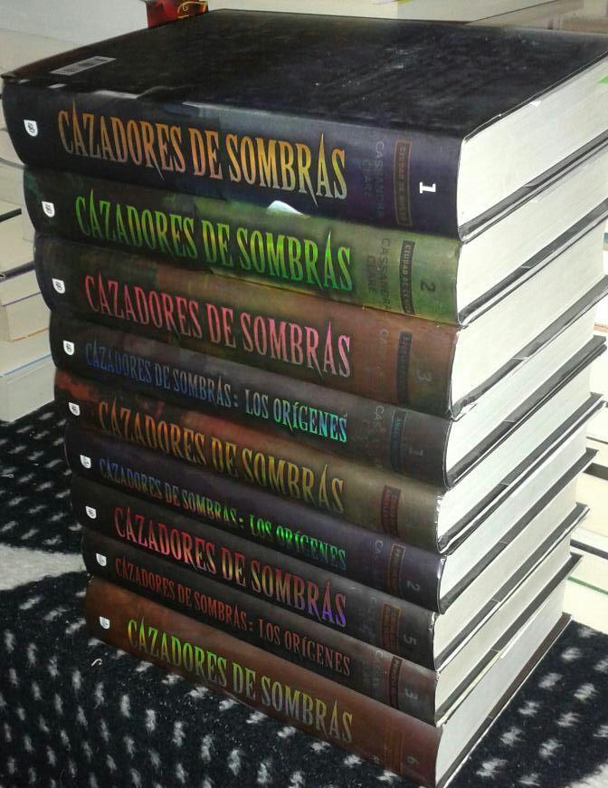 Entre páginas perfectas: Lectura conjunta... Cazadores de sombras + Los orígenes.