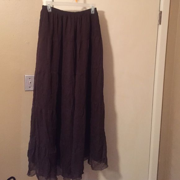 "Cute maxi skirt Cute maxi skirt. Sheer skirt with solid lining underneath. Elastic waist. Length is 41"" Pure Skirts Maxi"