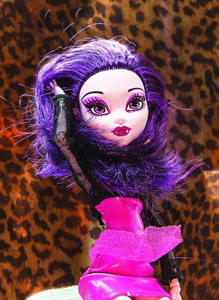 monsterhigh doll ELISABAT Excellent condition ideal for a Stocking Filler!