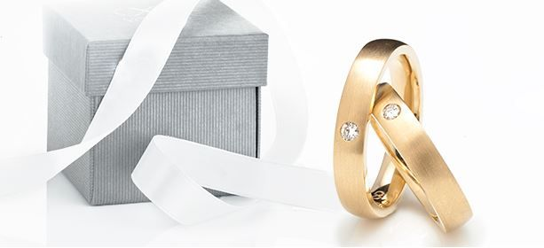 for a perfect wedding day you need perfect wedding rings #yorxs #ehering #gold
