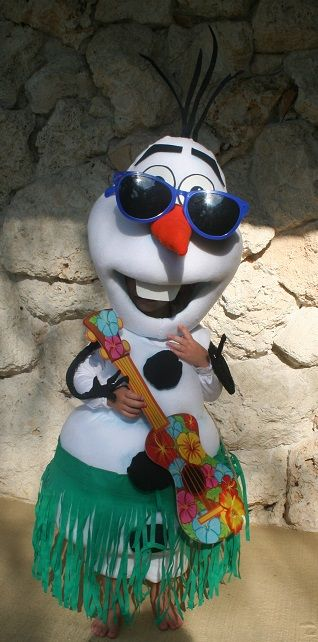 Coolest Olaf Frozen snowman costume, diy, here's the link http://ideas.coolest-homemade-costumes.com/2014/06/19/coolest-frozen-snowmen-olaf-and-marshmallow-couple-costumes/#PhotoSwipe1406935214785
