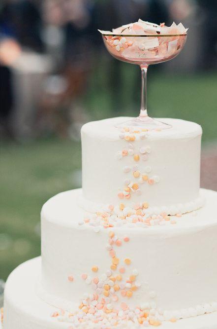 Confetti wedding cake | onelove photography