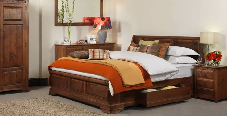 The Monaco Wooden Sleigh Bed