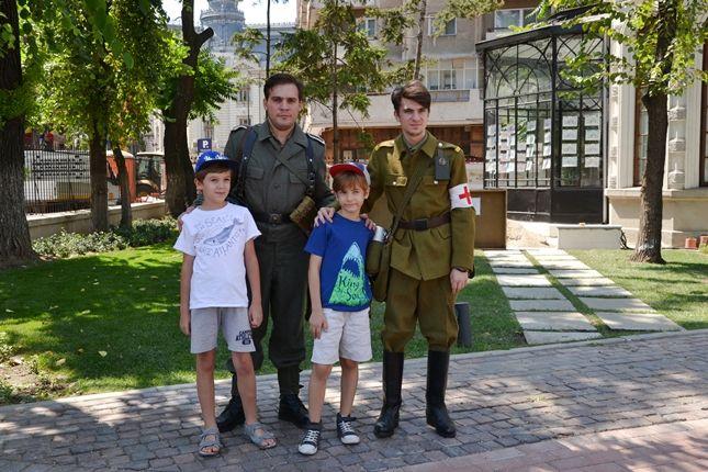 Participarea Asociației Redescoperă Istoria la Școala de Vară de la Palatul Suțu (15 august 2015)