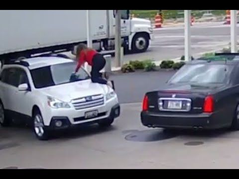 Woman Fights Off Carjackers At Milwaukee Gas Station