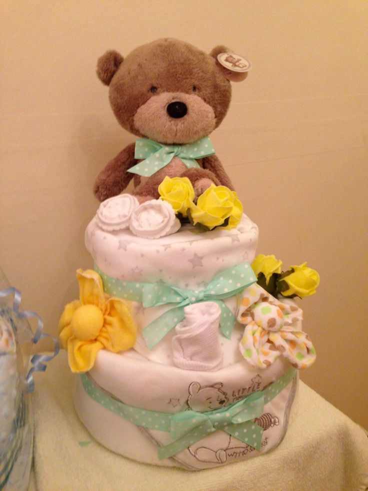 Beautiful neutral nappy cake