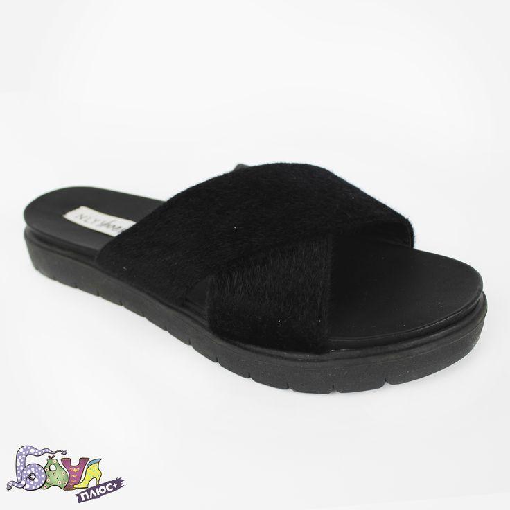 Безумное сочетание шлепок и носков, – это модный тренд этого лета!!! Только переубедила парня так одеваться, а тут сам Louis Vuitton предлагает! Если решишься, у нас для тебя пара замечательный, модных тапочек!!!💣💣💣💣💥💥💥💥 Nly Shoes - 350грн. #купитьшлепанцы #шлепанцыкупитькиев #женскиешлепанцыкупить
