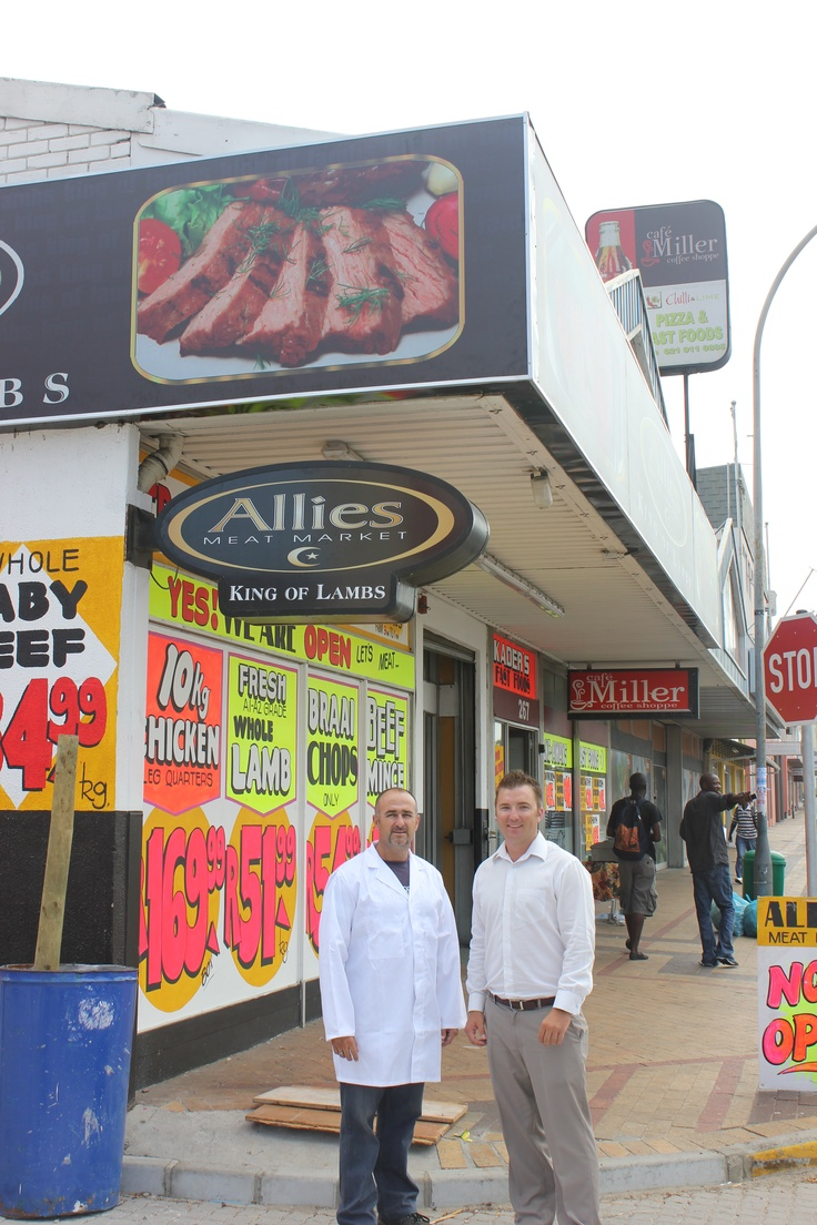Gareth Cook, pictured above with Tony of Allies Meat Market on his left, has concluded a deal that will see them occupying 325 square metres of space over a 5 year lease. Their new property is at 269 Voortrekker Road in Parow, opposite Shoprite Park.