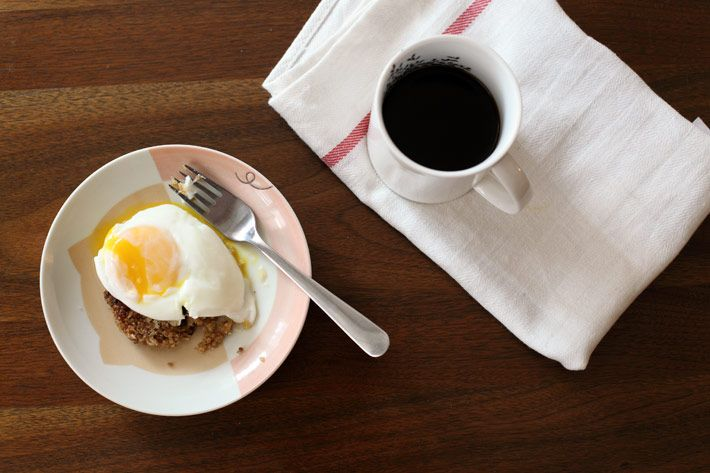 Quinoa Cake + Poached Egg Breakfast ! | Savory Cravings | Pinterest