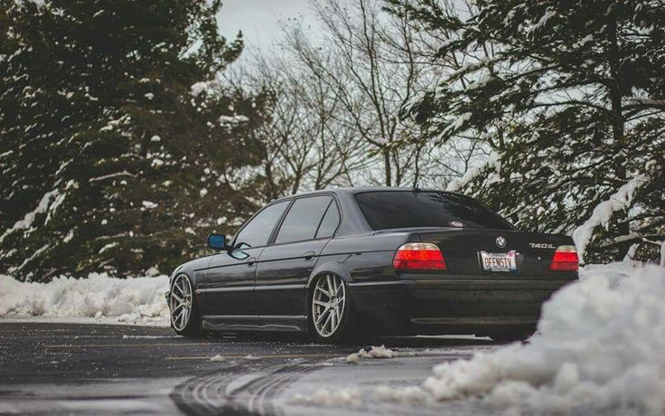 BMW E38 7 series black slammed winter