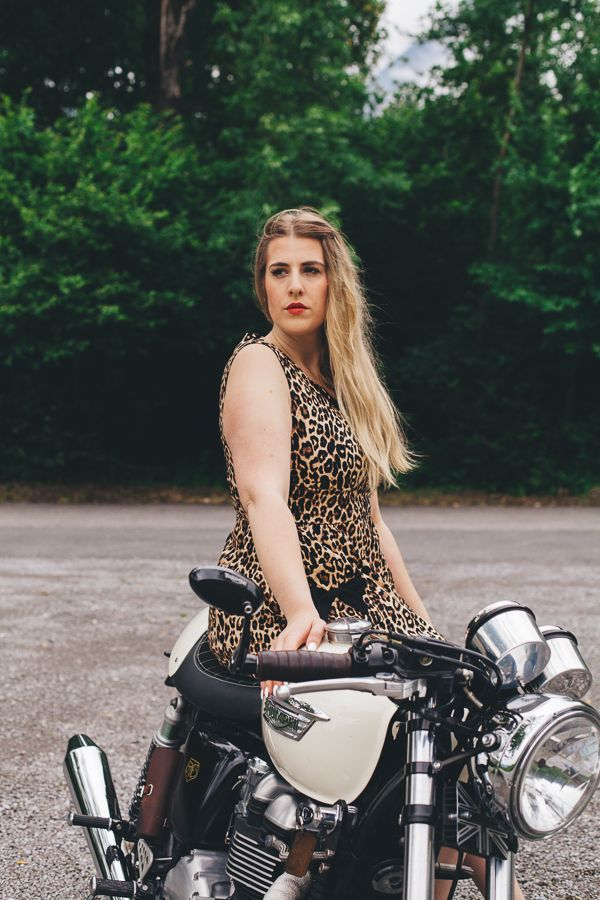 Rockabilly Shooting with Laura and Naomi from paparazza.ch