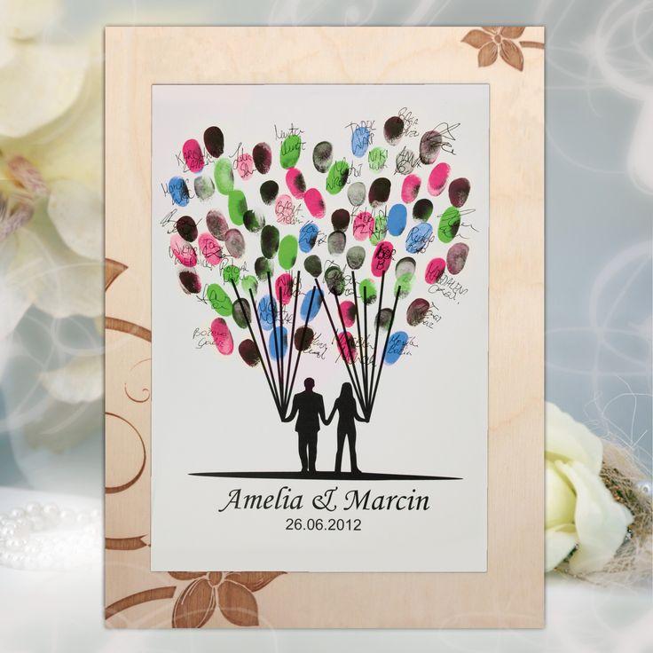 Personalizowana księga gości z formie dużego obrazu, który można powiesić na ścianie i wspominać dzień ślubu każdego dnia.