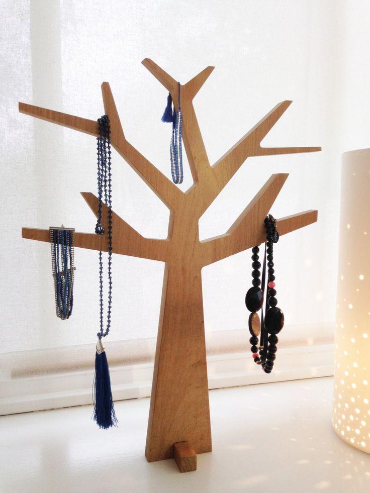 Arbre à Bijoux en bois massif - chêne - Fabriqué en France de la boutique Romantikwood sur Etsy