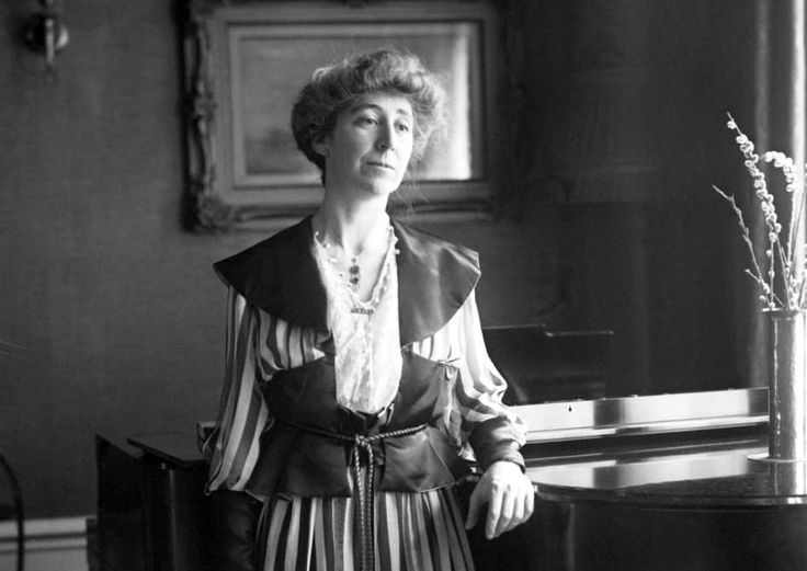 March 4,   1917: FIRST WOMAN ELECTED TO THE U.S. HOUSE OF REPRESENTATIVES  -    Republican Jeannette Rankin of Montana takes her seat as the first woman elected to the U.S. House of Representatives, the same day President Woodrow Wilson took his oath of office for a second term (it being a Sunday, a private ceremony was held inside the U.S. Capitol; a second, public swearing-in took place the next day).