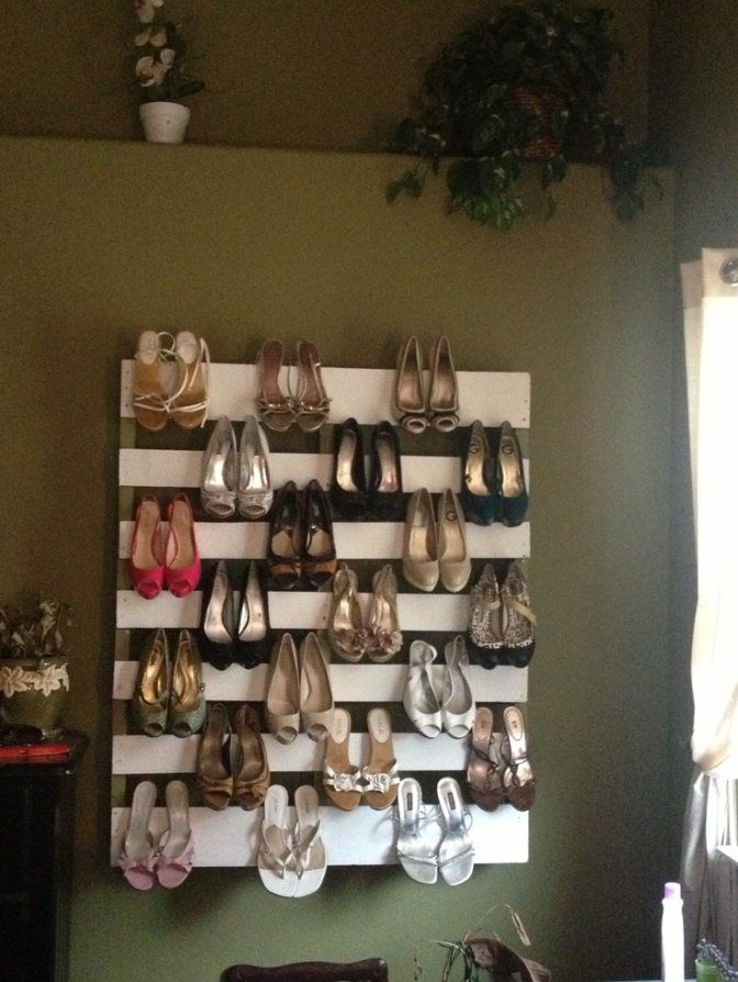 M s de 25 ideas fant sticas sobre estantes de zapatos en for Zapateros decorativos