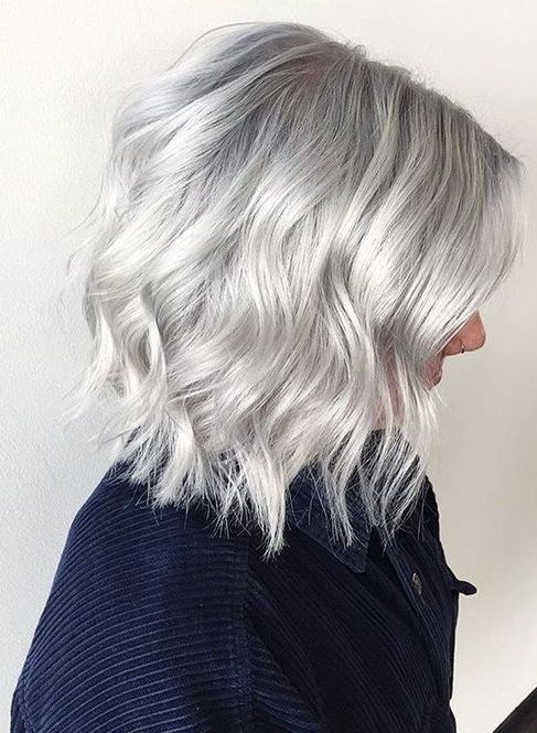 Silver Wavy Short Hair Color Hair Beauty In 2019 Pinterest