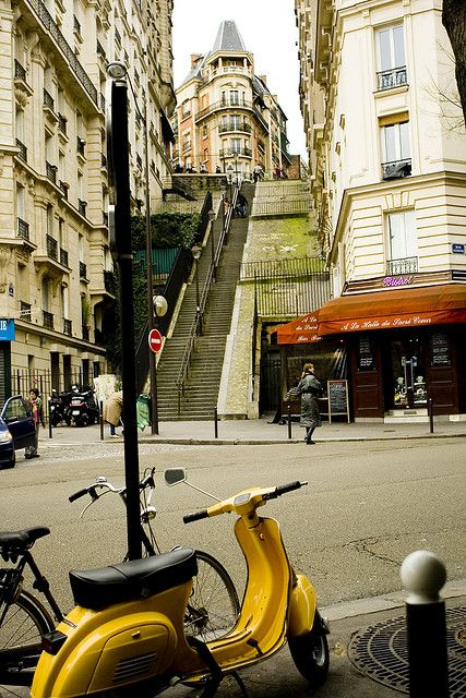 Montmartre Quarter, Paris XVIII.  A city of amazing sights!  Not far from here is the Finicular....an outdoor elevator that takes you up more than 300' up the side of the hill........love this city!!!