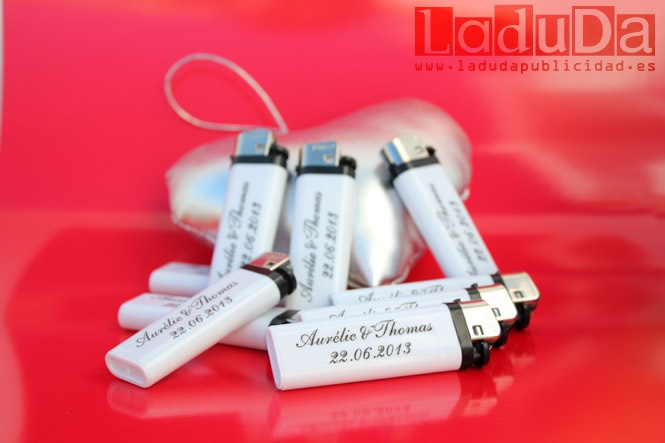 Mecheros personalizados para bodas LaduDa Publicidad
