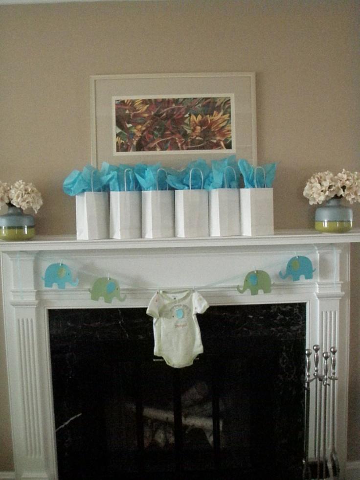 95 best images about fireplace mantle decorating ideas on pinterest mantels mantles and decor - Decoration baby shower fait maison ...