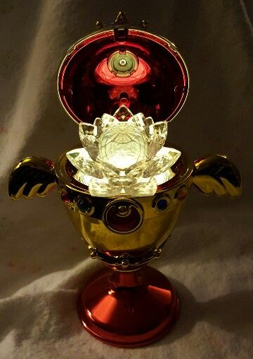 Sailor Moon Proplica Rainbow Moon Chalice / Holy Grail with miniaturely tablet Silver Crystal