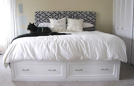 diy king size storage bed i 39 d love to build this but make one of the drawers actually pullout. Black Bedroom Furniture Sets. Home Design Ideas