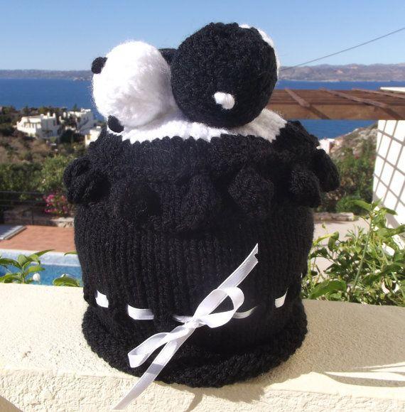 Beanie Hat   Ebony & Ivory by Quintessentialcraftz on Etsy, €15.00