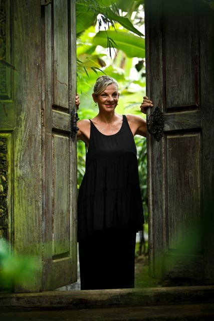 "Jo Sharp will help you ""get your glow on"" and have more fun working out than you ever thought possible. http://www.sharingbali.com/bootcamp/general-fitness/"