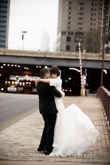 We Absolutely Love Downtown Chicago It Offers The Most Beautiful Backdrops To Take Both Your
