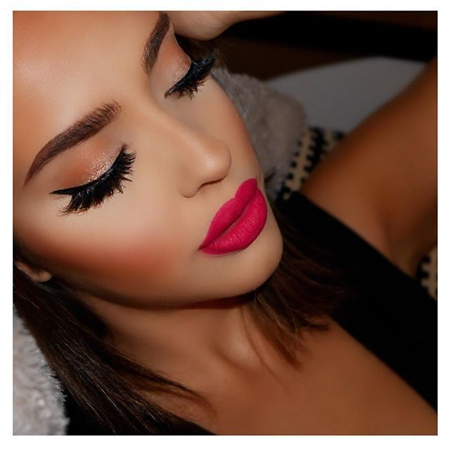 What lipstick and color is this!!? I want!!!