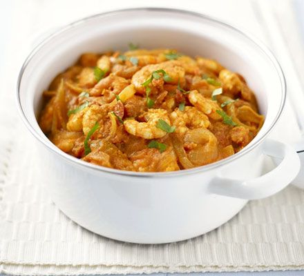 Easy Thai prawn curry. Perfect Friday night food, a warming low fat prawn curry ready in just 20 minutes